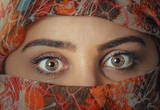 Habits of women with great eyelashes