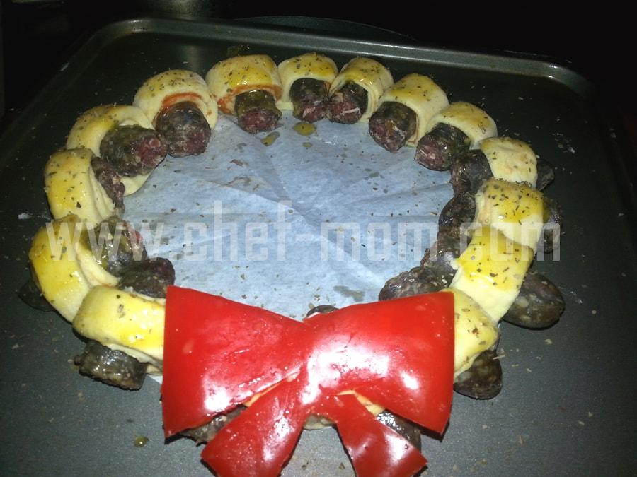mini sausage wreaths 8